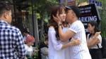 Hari Won và Trấn Thành bị 'tố' liên tục hôn hít, âu yếm nhau gây ảnh hưởng đến ekip?