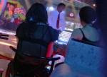 Chân dung quý bà sồn sồn Hà thành mỗi tối lên bar để được trai trẻ thi nhau phục vụ