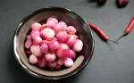 Cách muối hành củ chua ngọt để cả năm vẫn giòn tan, không nổi váng