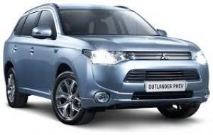 Mitsubishi tặng quà cho khách Việt