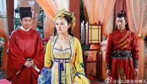'Bao Thanh Thiên' gây tranh cãi vì để công chúa mặc hở hang