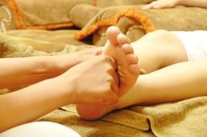 Bôi thứ này lên lòng bàn chân, bạn sẽ cắt cơn ho ngay lập tức mà không cần uống thuốc