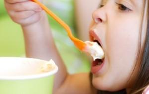 Cách làm váng sữa vừa ngon vừa sạch tại nhà cho bé