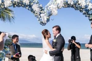 Choáng ngợp lễ cưới xa hoa của cô gái Ninh Bình