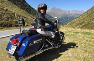Nữ biker Việt chạy môtô hơn 3.000 km qua 5 nước châu Âu