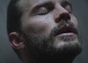 Tài tử '50 Sắc thái' diễn cảnh tắm khoả thân trong phim mới