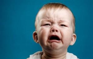 Bác sĩ chỉ cách dỗ trẻ nín khóc thần kì chỉ trong 5 giây, cha mẹ nào cũng làm được