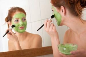 Những lưu ý khi thực hiện cách làm đẹp da mặt từ thiên nhiên