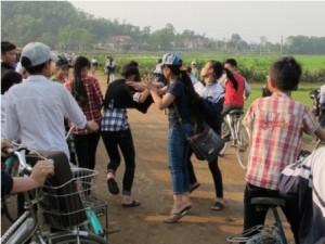 Bạo lực tuổi teen: Báo động đỏ