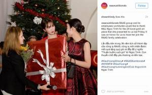 2 ngày mua hết 1,3 tỉ đồng, Ngọc Trinh tặng quà có 1-0-2 cho tỷ phú Hoàng Kiều
