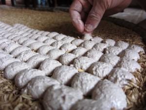 5 chiêu phân biệt rượu gạo thật và giả nấu bằng men Trung Quốc, cồn công nghiệp