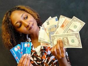 8 kinh nghiệm đổi tiền và thanh toán quan trọng khi du lịch