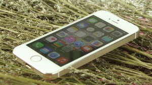 iPhone 5S tiếp tục giảm giá trở thành smartphone HOT nhất tuần qua