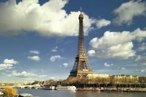 Sự thật ít người biết đến về căn phòng bí mật bên trong tháp Eiffel