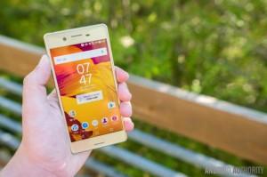 5 smartphone có màu sang chảnh hợp mua đón Tết