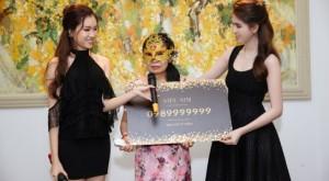 Nữ doanh nhân giấu mặt mua siêu sim từ Ngọc Trinh giá 18,688 tỉ là ai?