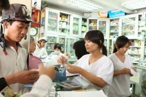 TP.HCM: Hàng loạt nhà thuốc bị xử phạt vì bán thuốc quá hạn