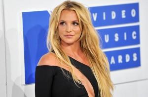 Phim tiểu sử Britney Spears bị chỉ trích là nhẫn tâm