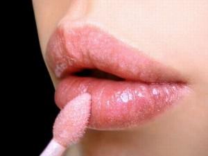'Rùng mình' với 9 kim loại cực độc trong son môi