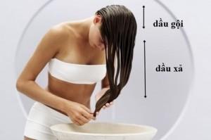Chỉ cần gội đầu trong 1 phút mà vẫn sạch gàu, tóc suôn mượt hơn cả đi dưỡng ở tiệm