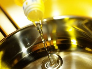 Những quan niệm sai lầm về dầu ăn của các bà nội trợ