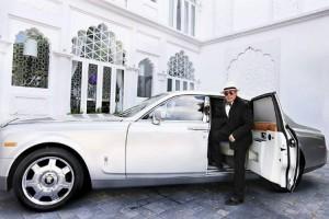 Đại gia Việt vừa chi 7 tỷ mua xe Maybach là ai và giàu 'khủng' cỡ nào?