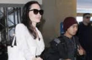 SỐC: Angelina Jolie bị tố giả mạo giấy tờ bí mật, 'đối mặt' với án phạt?