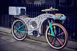 'Sốt rần rần' với chiếc xe đạp được làm từ 74 dụng cụ nhà bếp