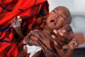 Xót xa ở nơi những đứa trẻ sinh ra được đào sẵn 'huyệt'
