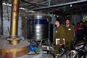 Phát hiện và xử lý 40.176 lít rượu không rõ nguồn gốc trong tháng 3