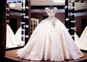 Ớn lạnh chiếc váy nhìn thì đẹp nhưng lại đoạt mạng hơn 3000 phụ nữ