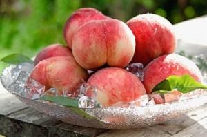 Muốn dẹp da và giữ gìn nhan sắc nên ăn quả đào đỏ