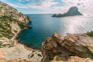 Hòn đảo bí ẩn nhất thế giới: Tiết lộ những bí mật bên trong