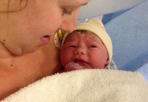 Kỳ lạ mẹ đã phá thai, 3 tháng sau phát hiện con vẫn lớn lên trong bụng