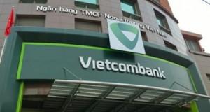 'Bỗng dưng' mất 30 triệu: Vietcombank hoàn lại tiền cho khách hàng trước, điều tra sau