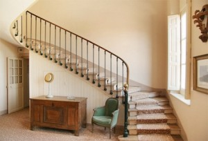 Những tối kỵ cần tránh khi thiết kế cầu thang theo phong thủy