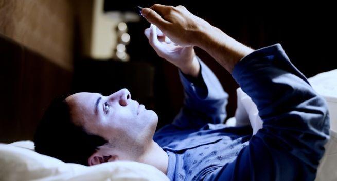 Những tác hại khôn lường của việc sử dụng điện thoại quá nhiều