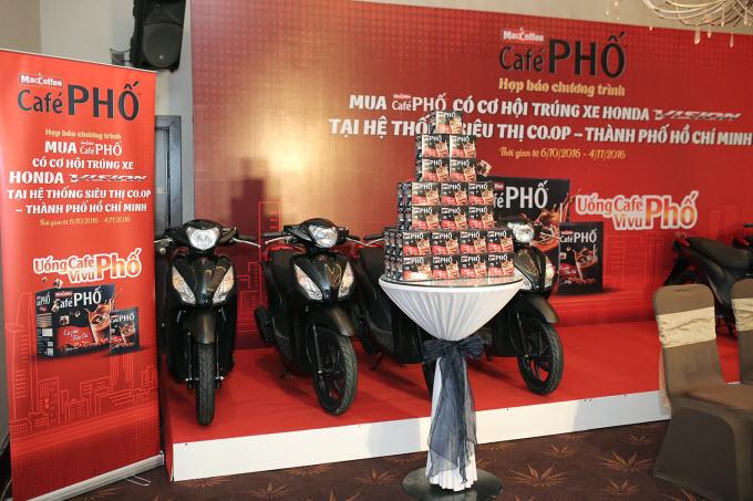 MacCoffee - Café Phố tặng 33 Honda Vision cho người tiêu dùng