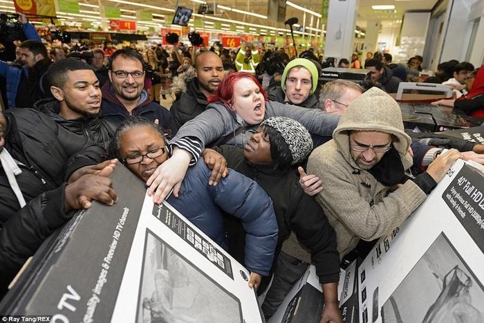 Black Friday là ngày gì khiến khách hàng 'phát cuồng'?