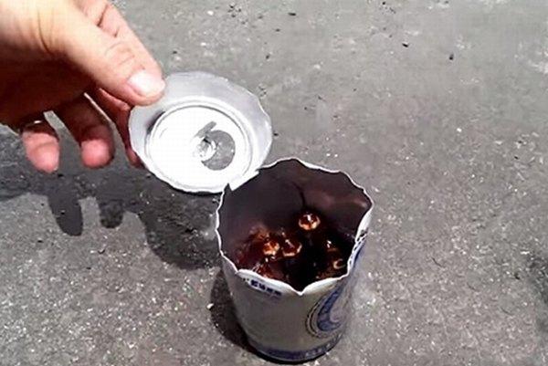 Cách diệt gián không còn một con chỉ nhờ lon bia uống dở