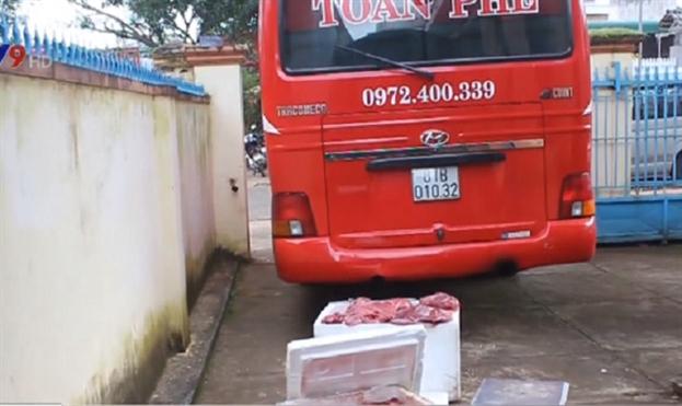 Chặn hàng trăm kg thịt thối trên đường tuồn vào quán ăn, nhà hàng