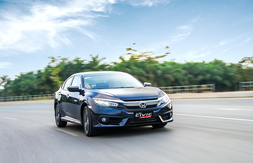 Honda Civic thế hệ 10 giá 950 triệu đồng tại Việt Nam