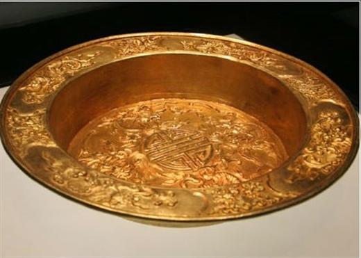 Lý do gì khiến hoàng cung nhiều triều đại vua Việt không có phòng vệ sinh?