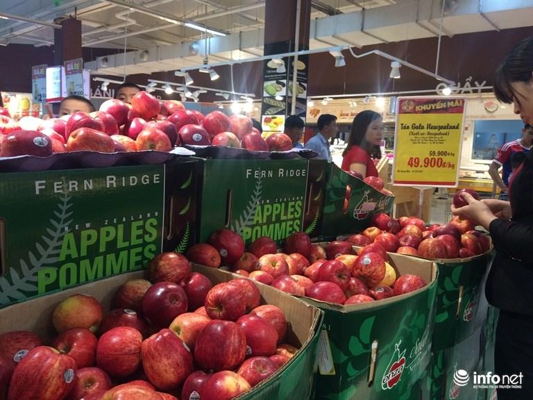 Bán trái cây nhập khẩu rẻ bèo, siêu thị lớn có