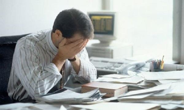 Nam giới mặc quần chật, ngồi làm việc nhiều giờ dễ bị vô sinh