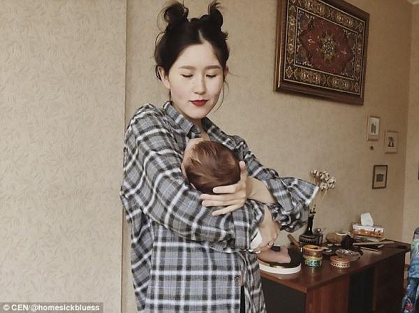 Tranh cãi quanh bức ảnh cho con bú của Đệ nhất tiểu thư Kyrgyzstan