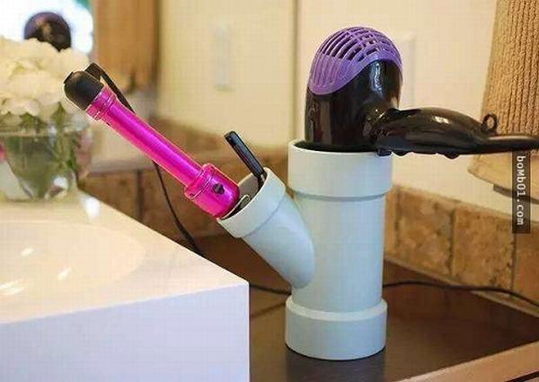 Bực mình vì tủ giày bừa bộn, anh chồng mua ống nhựa về giải quyết khiến vợ bất ngờ
