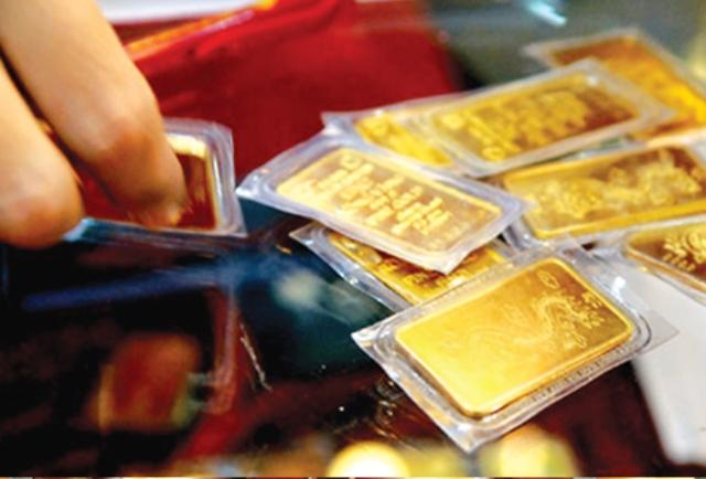 Giá vàng ngày 3/5: Diễn biến ngược chiều ở 2 thị trường