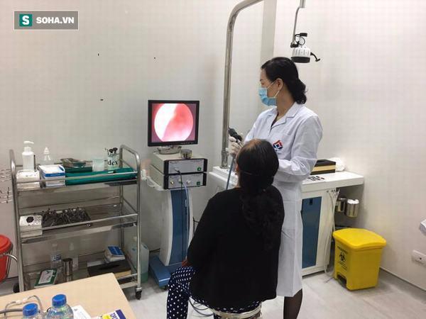 Bác sĩ cảnh báo: Ngạt một bên mũi, đau nửa đầu có thể là dấu hiệu ung thư vòm họng